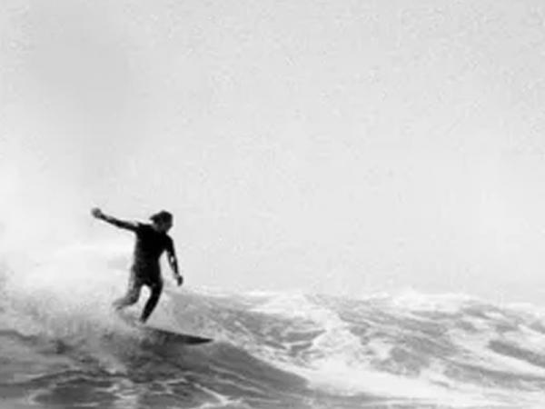 Le surf, une vague mondiale sur France Culture