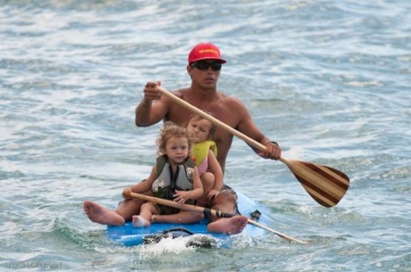 Manon, 14 ans, de retour d'Hawaii !! - Le surf se fait en famille