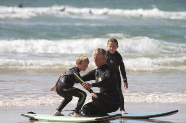 BANANA SURF SCHOOL - ECOLE DE SURF LACANAU
